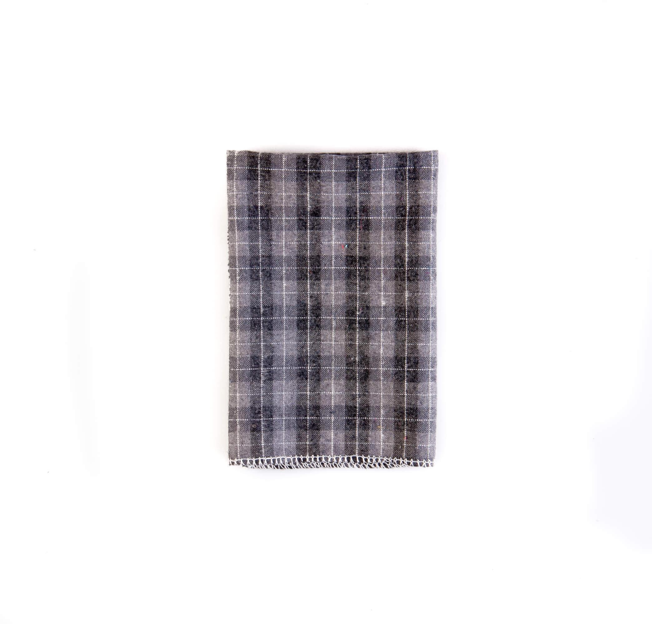 دستمال جیب طرح چهارخانه رنگ طوسی کد PS1037