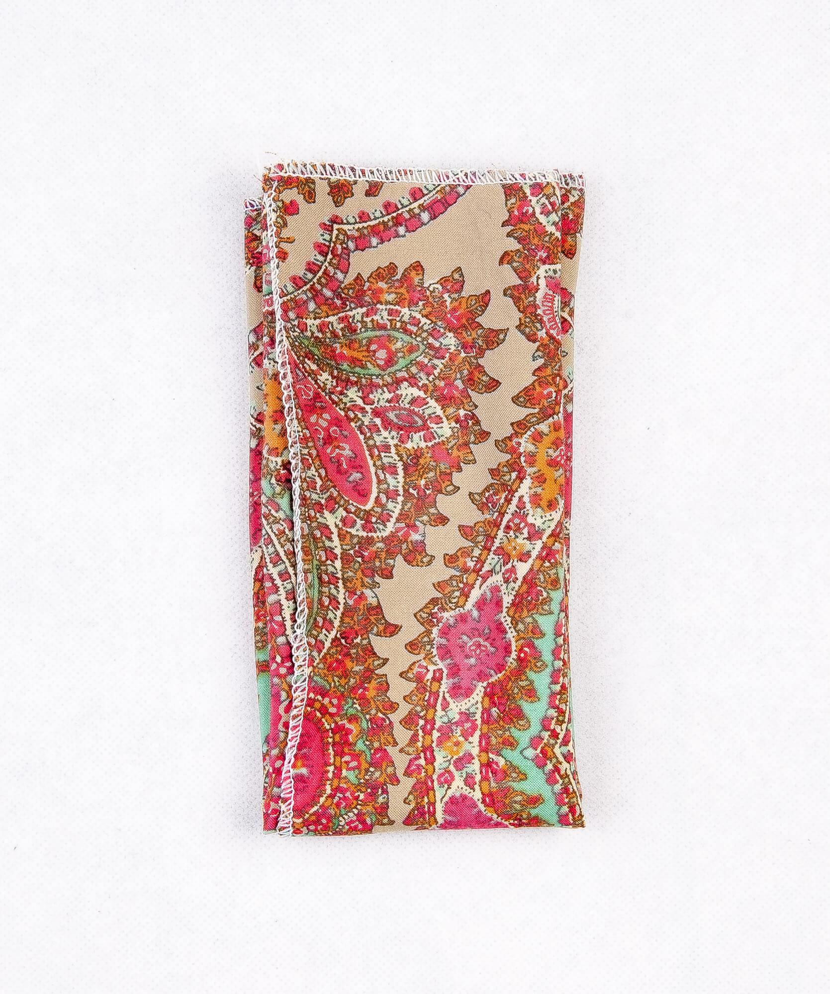 دستمال جیب طرح دار رنگ کرم-قرمز PS1032