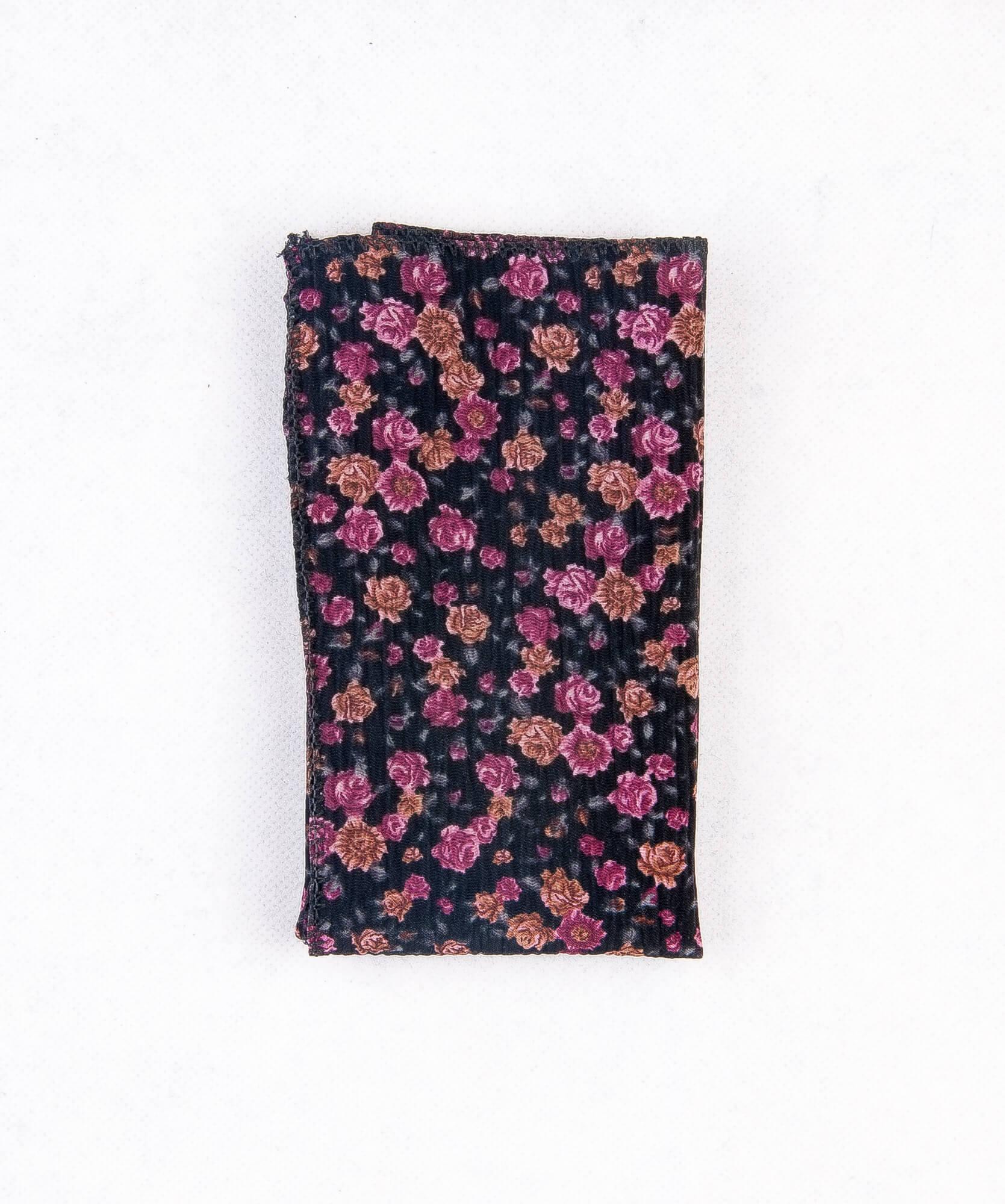 دستمال جیب طرح گل دار رنگ مشکی PS1013