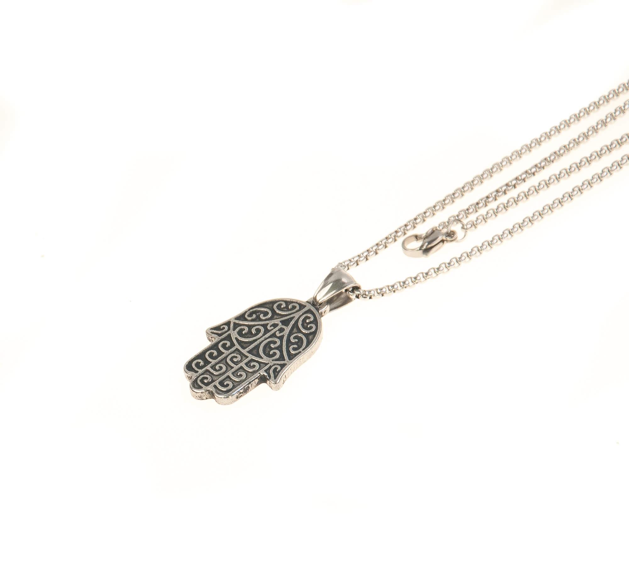 گردنبند استیل نقره ای با طرح دست NM1023