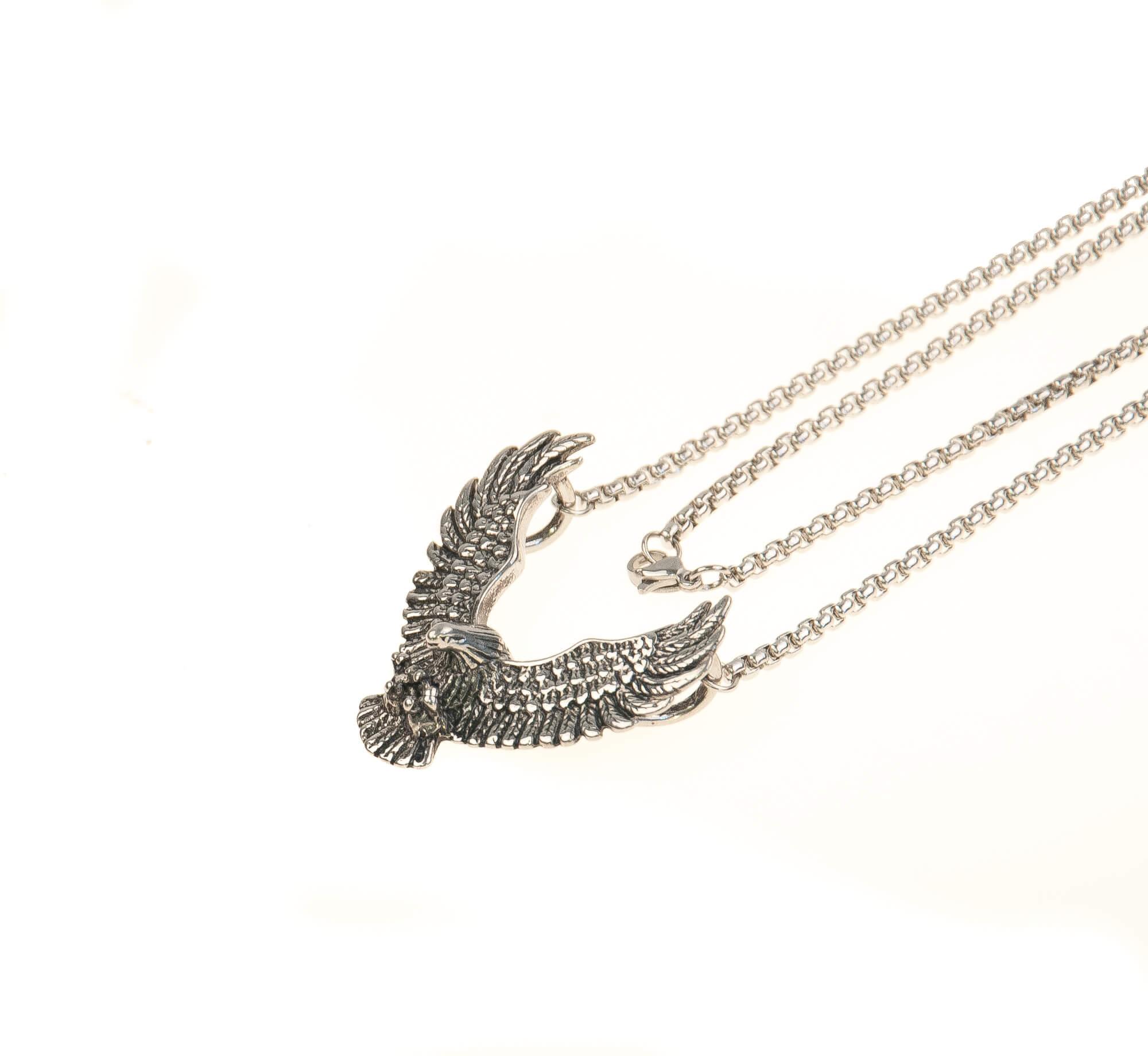 گردنبند استیل نقره ای با طرح شاهین NM1025