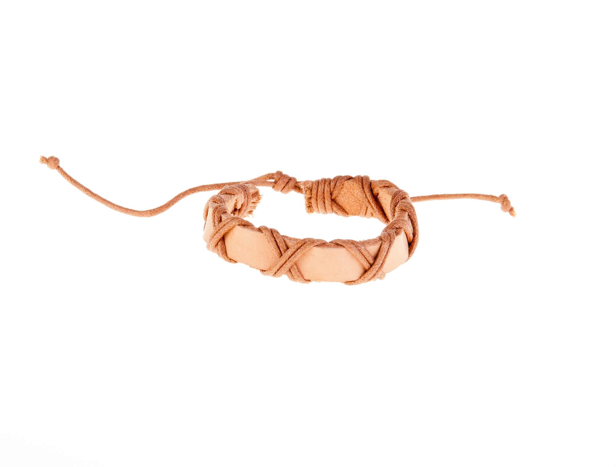 دستبند چرمی-کنفی مردانه kM1003