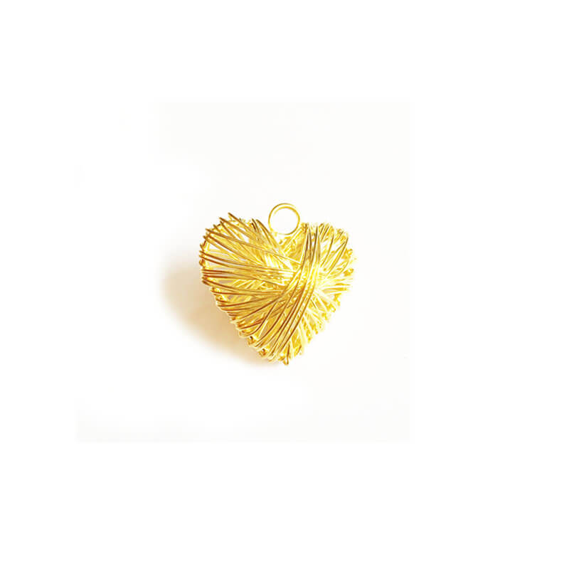 خرج کار طلایی قلب سه بعدی 3cm