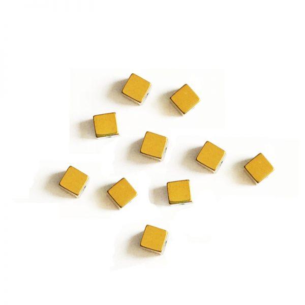 سنگ حدید مکعب طلایی 4mm بسته 90 عددی